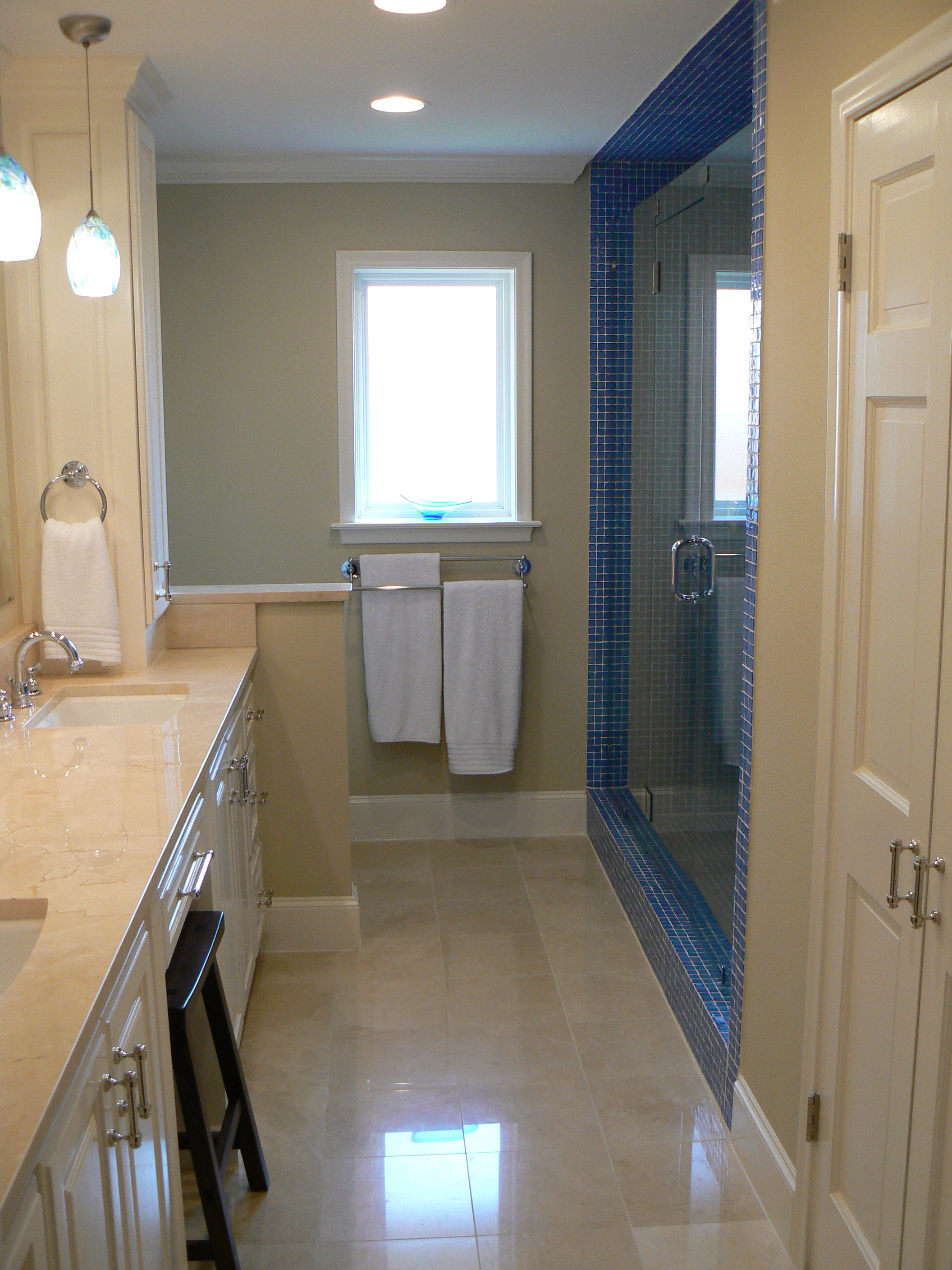 Home makeover before after photo gallery - Jack and jill bath ...