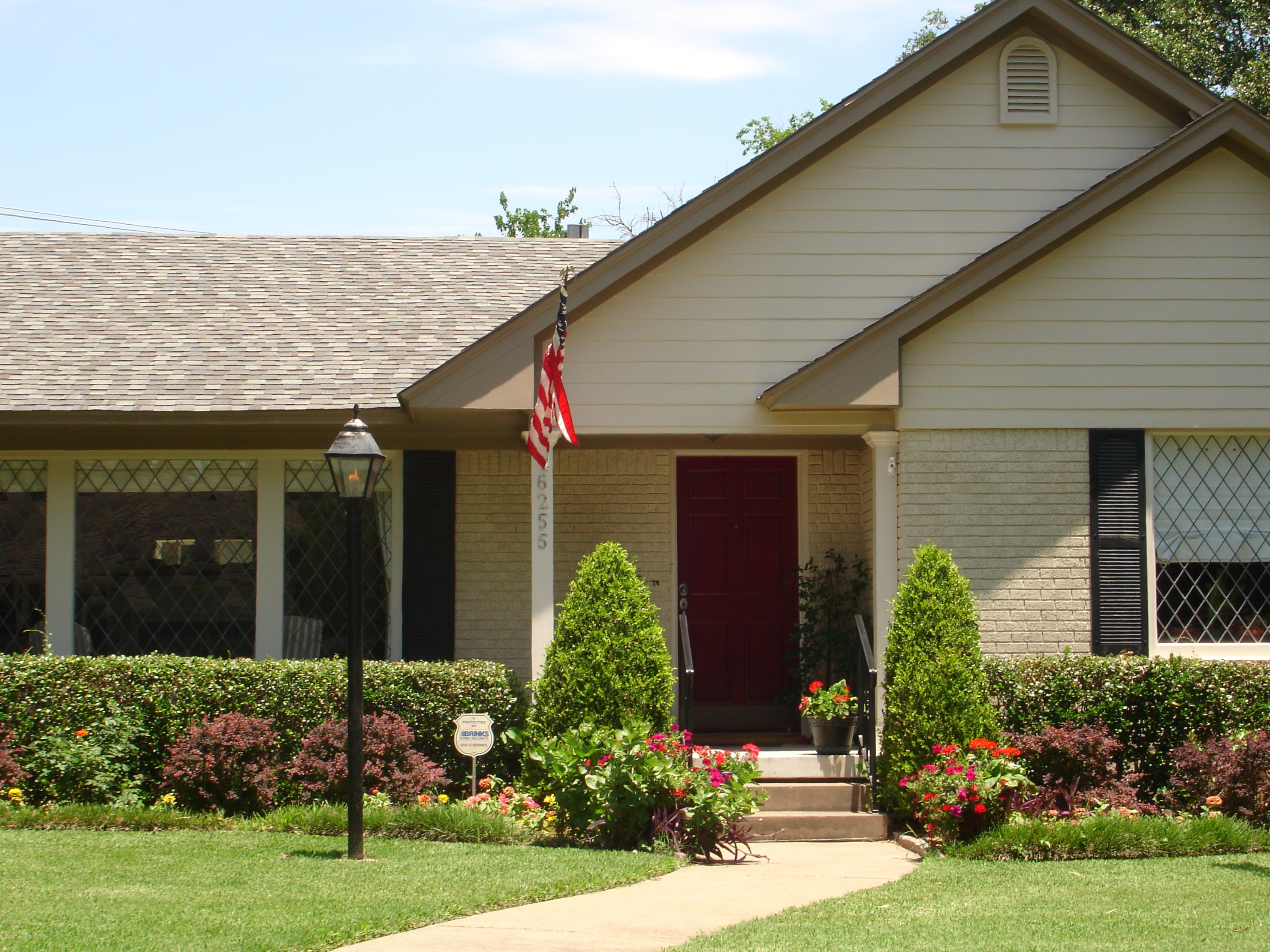 Exterior Paint Colors With Dark Brown Brick Once again the darker ...